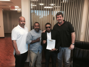 César Seda, Jr. firma con 'Probox Management'