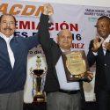 """El presidente de Nicaragua otorga a Félix """"Tito"""" Trinidad orden Alexis Argüello"""