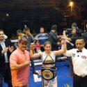 """Mayela """"Cobrita"""" Pérez derrotó por decisión unánime Mayran Salazar y conquista el campeonato mundial átomo WBF"""