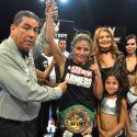 Imparable lució Mariana 'Barby' Juárez en la primera defensa de su titulo