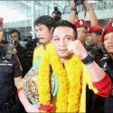 Sor Rungvisai fue recibido por cientos de personas en Tailandia